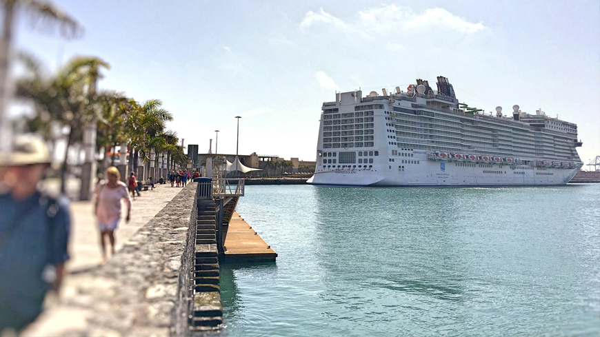 Visit of the norwegian epic cruise to las palmas de gran canaria wavia hotel - Port of las palmas gran canaria ...